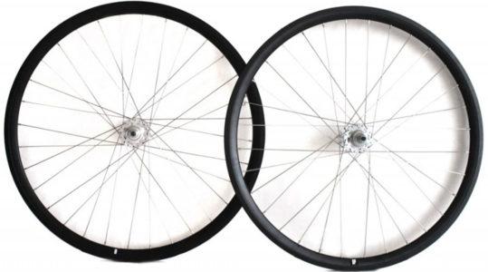 set-ruedas-dp-negro-plata1