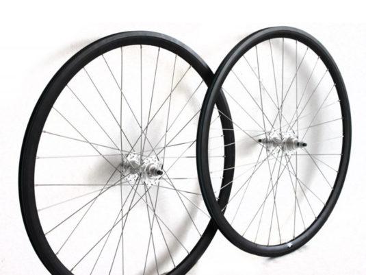set-ruedas-dp-negro-plata3